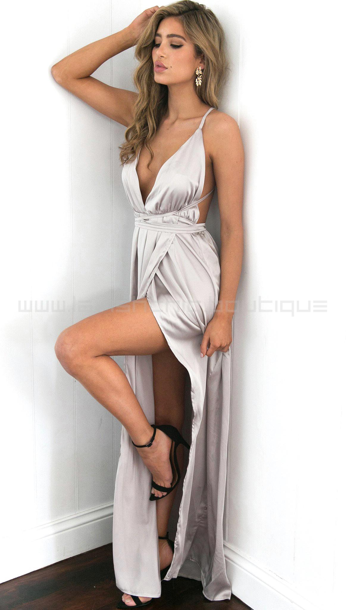 Afbeeldingsresultaat voor silver clothing catwalk